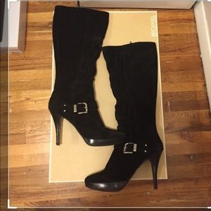 Micheal kors black suede boots